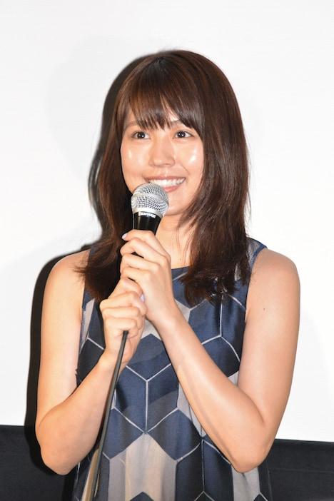「夏美のホタル」公開初日舞台挨拶に出席した有村架純。