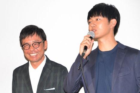 光石研(左)の言葉を受け、「真面目だけが取り柄」と語る工藤阿須加(右)。