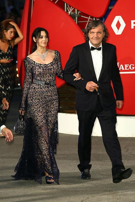 左からモニカ・ベルッチ、エミール・クストリッツァ。(c)Ernesto Ruscio