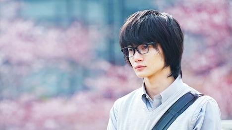 映画「3月のライオン」で主人公・桐山零を演じる神木隆之介。