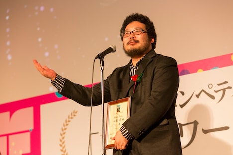 グランプリを獲得した「食卓」監督の小松孝。