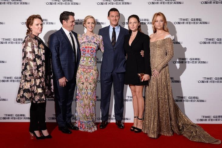 左からポーラ・ホーキンズ、テイト・テイラー、エミリー・ブラント、ルーク・エヴァンス、レベッカ・ファーガソン、ヘイリー・ベネット。