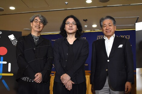 左から安藤紘平、岩井俊二、椎名保。