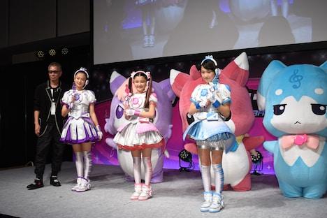 左から三池崇史、足立涼夏、内田亜紗香、小田柚葉。