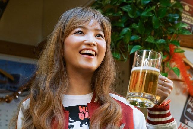 「吉田類の『今宵、ほろ酔い酒場で』」より、松本妃代。
