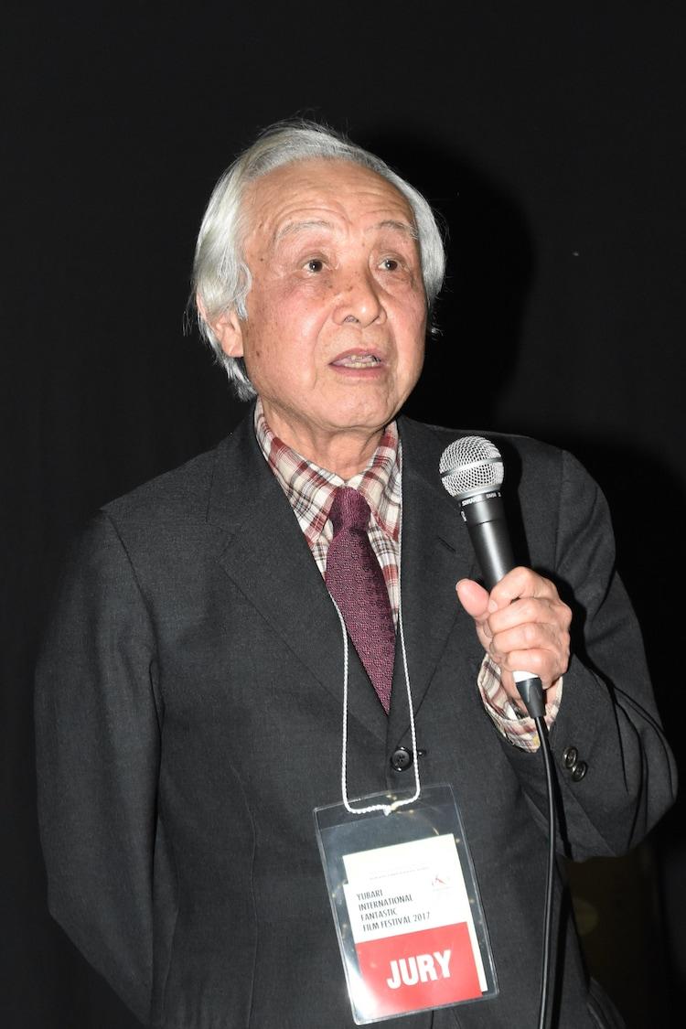 スピーチをする内藤誠。