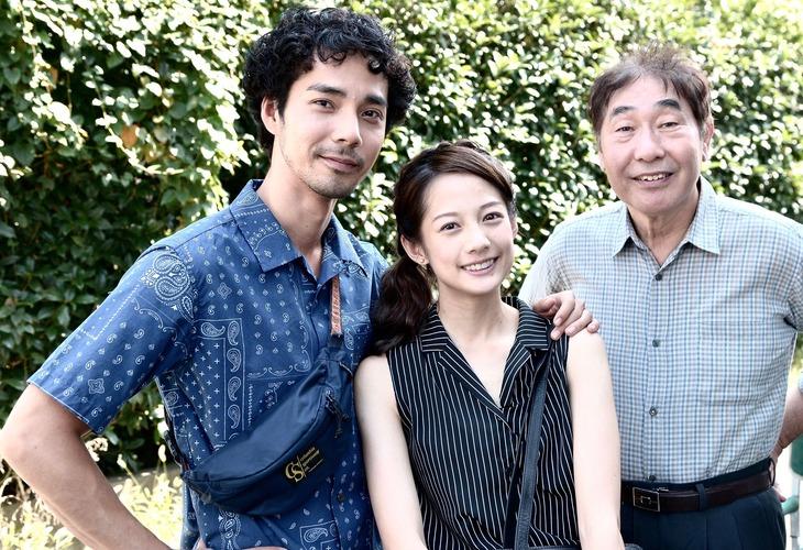 「ママは日本へ嫁に行っちゃダメと言うけれど。」オフショット。左から中野裕太、ジエン・マンシュウ、蛭子能収。