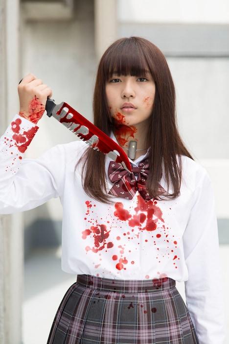 浅川梨奈(SUPER☆GiRLS)演じる小池萌。
