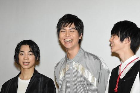 左から三津谷亮、多和田秀弥、小野寺晃良。