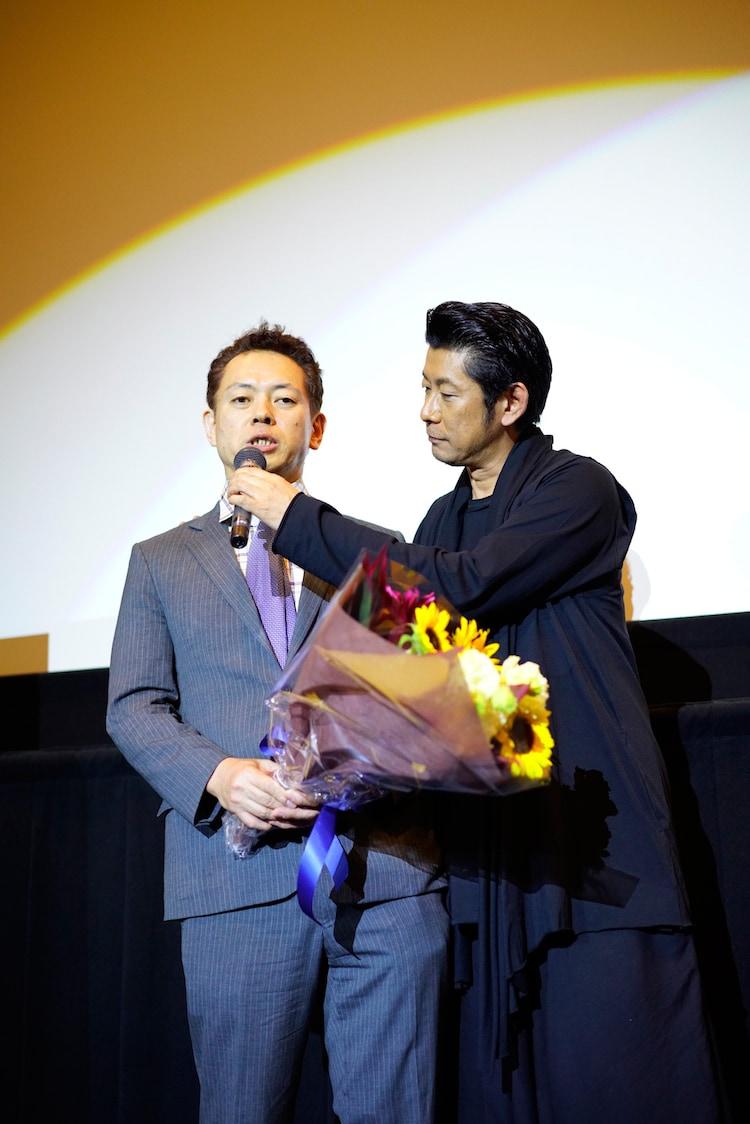左から大谷重司氏、永瀬正敏。
