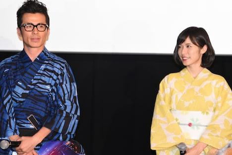 左から藤森慎吾(オリエンタルラジオ)、松岡茉優。