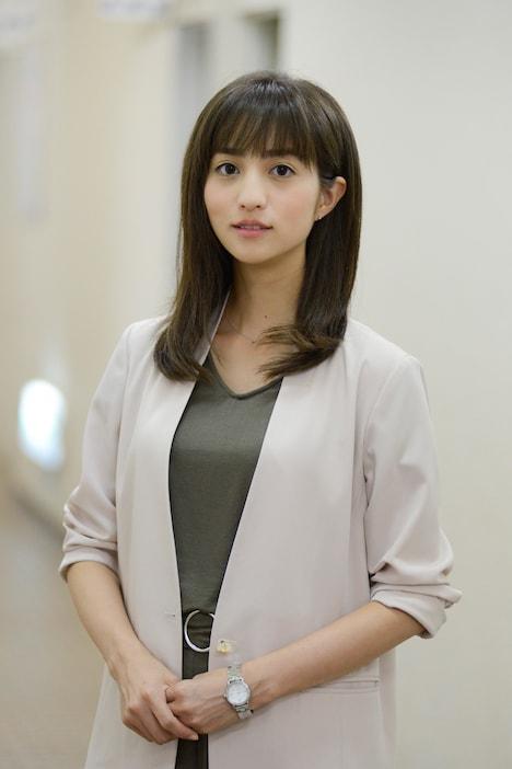「ドクターY~外科医・加地秀樹~」より、堀田茜演じる四谷佳矢子。