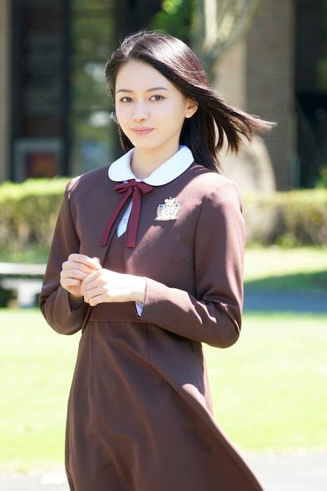 「未成年だけどコドモじゃない」より、山本舞香演じる松井沙綾。