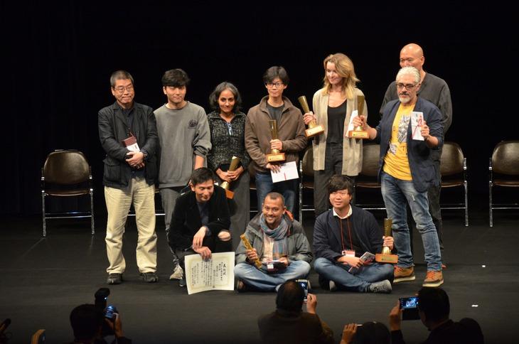 山形国際ドキュメンタリー映画祭2017授賞式の様子。