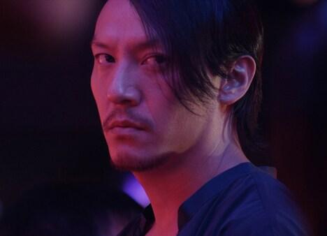 「Mr.Long/ミスター・ロン」より、チャン・チェン演じるロン。