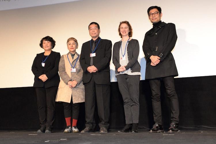 左からエレン・キム、國實瑞惠、原一男、ミレーナ・グレゴール、クラレンス・ツィ。