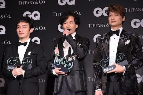 左から草なぎ剛、稲垣吾郎、香取慎吾。