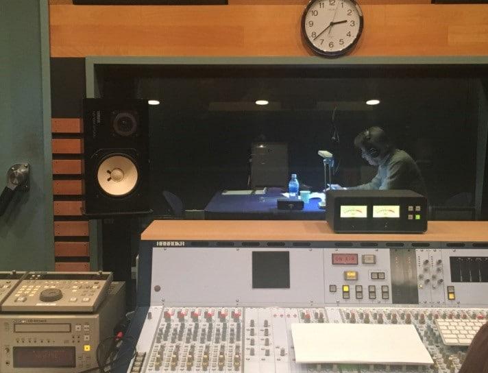 「没後40年 熊谷守一 生きるよろこび」山崎努による音声ガイドの収録風景。