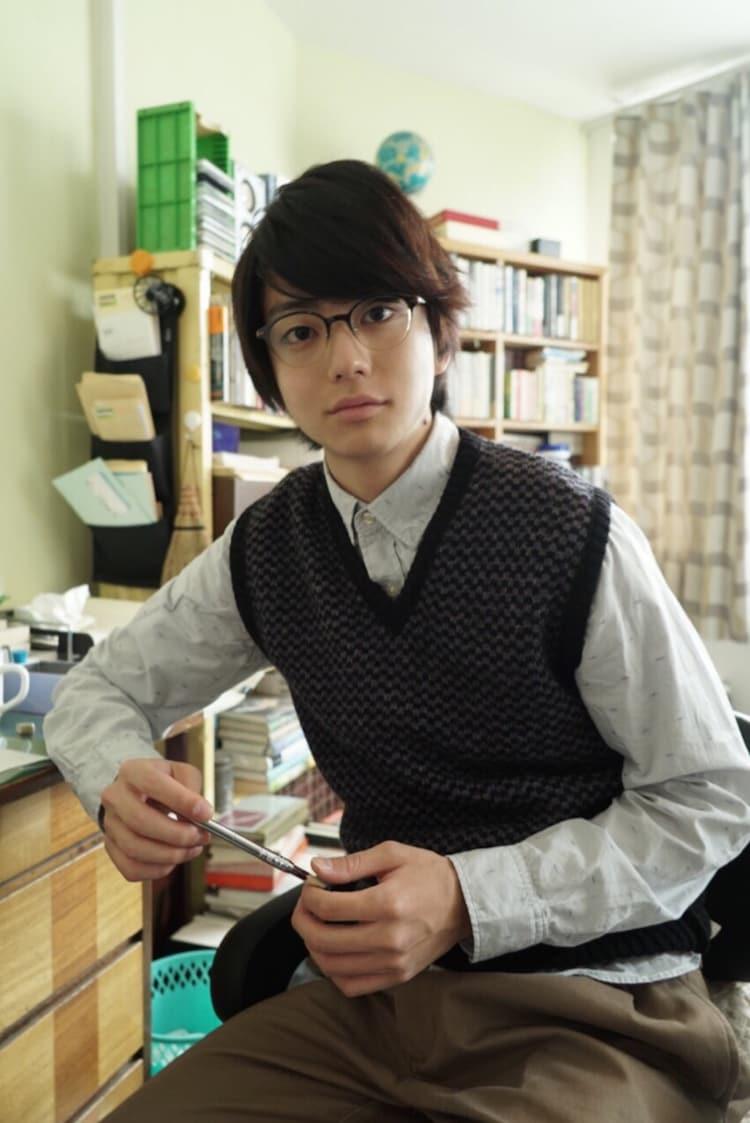 虹川亜樹人役の健太郎。