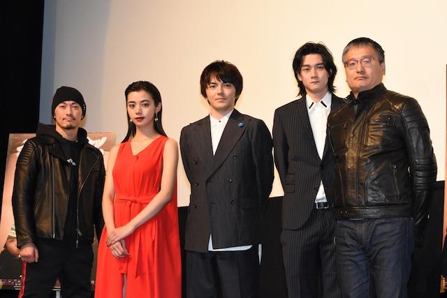 「チェリーボーイズ」プレミア上映会の様子。左から般若、池田エライザ、林遣都、柳俊太郎、西海謙一郎。