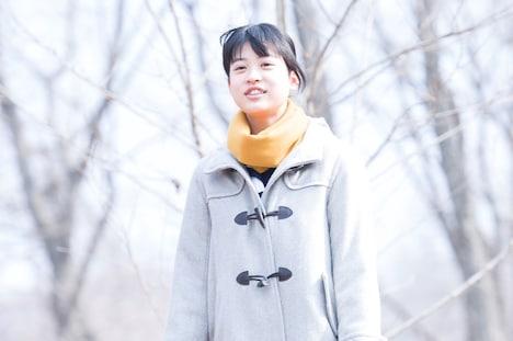 橘吉絵役を演じる中田青渚。