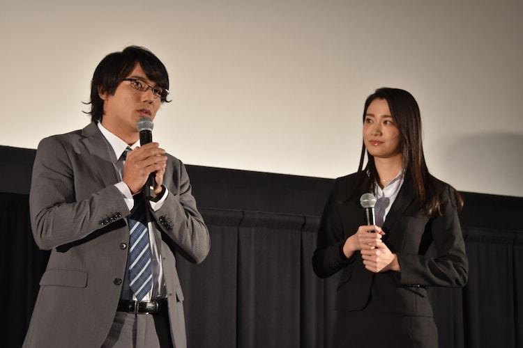 左から小澤雄太、長谷川眞優。