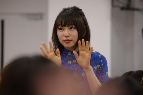 大歓声の中登場した桜井日奈子。