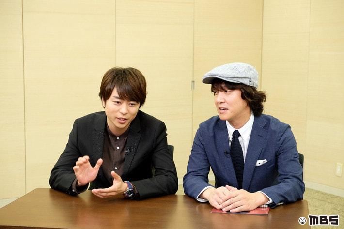 「サタデープラス」に出演する櫻井翔(左)と丸山隆平(右)。