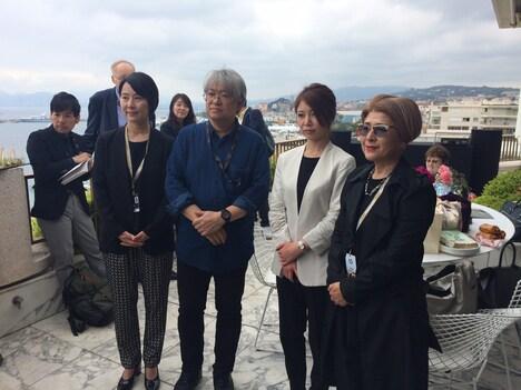 左から武部由実子、市山尚三、木下グループ広報の和田野知尋、國實瑞恵。
