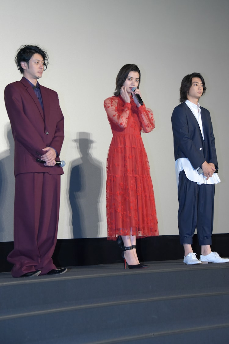 左からオダギリジョー、池田エライザ、伊藤健太郎。