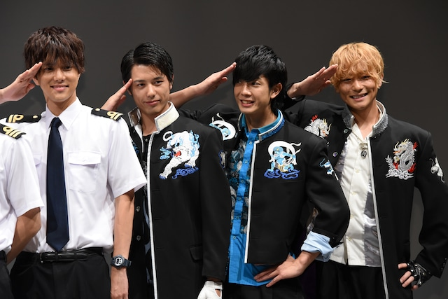 左から水野勝、勇翔、田村侑久、田中俊介。