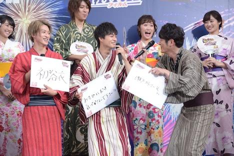 田中直樹(前列右)にツッコまれた拍子に、マイクを歯にぶつけてしまった結木滉星(前列中央)。
