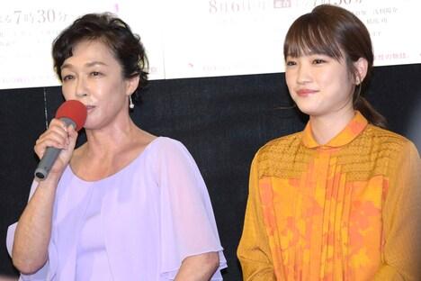 左からキムラ緑子、川栄李奈。
