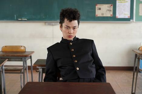 柾木玲弥演じる佐川直也。
