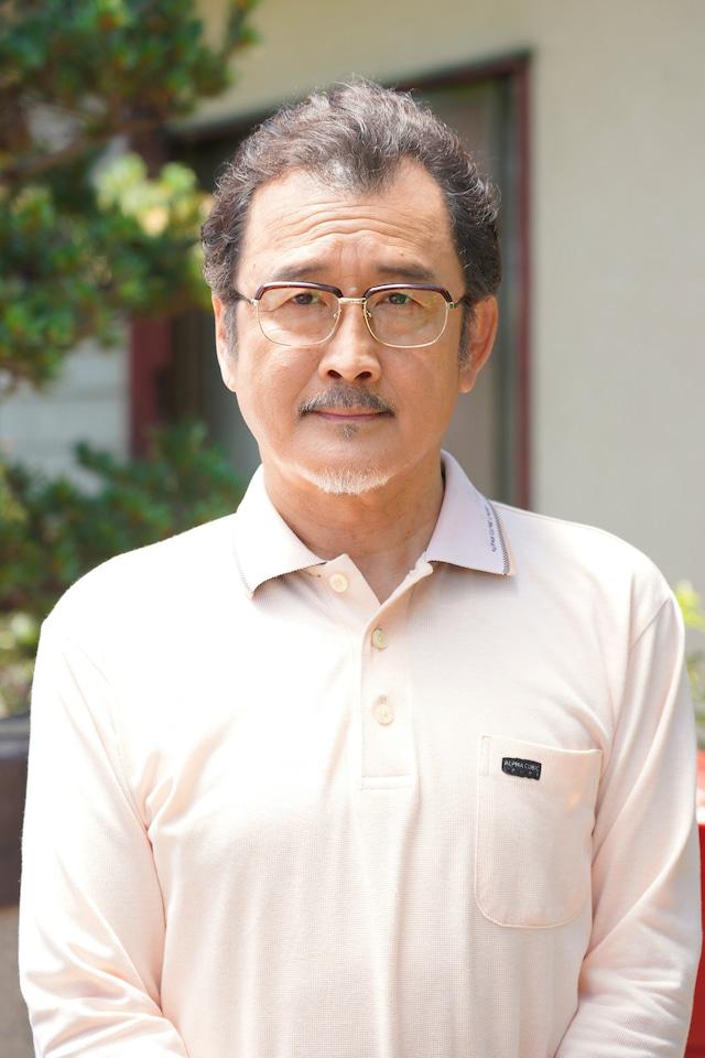 吉田鋼太郎演じる三橋一郎。