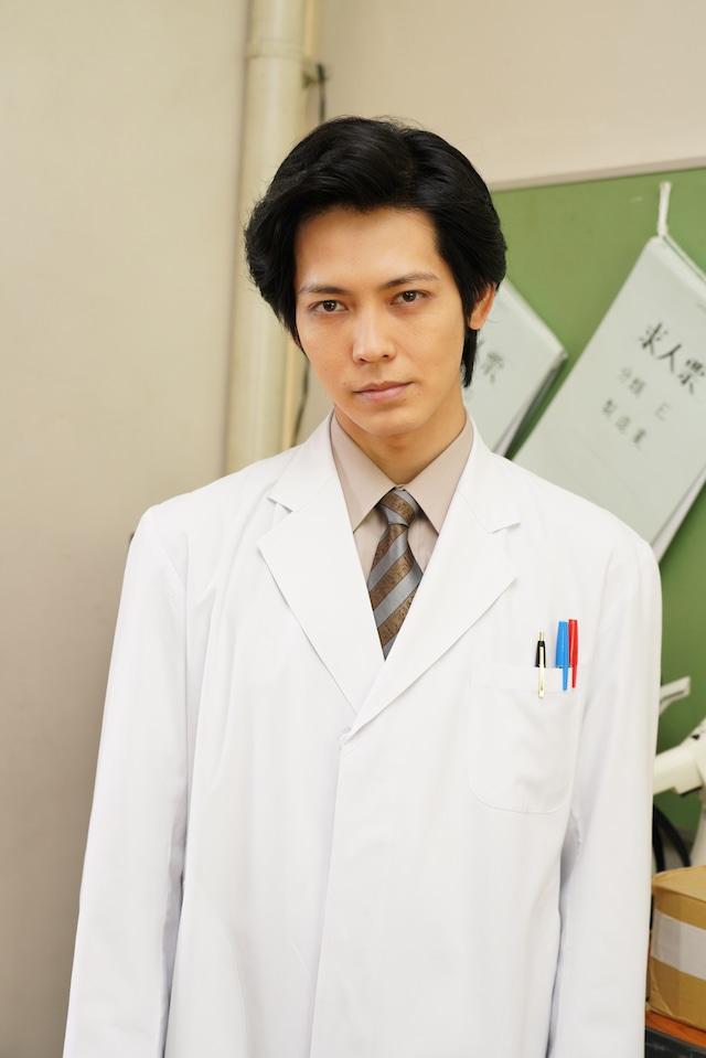 猪塚健太演じる水谷先生。