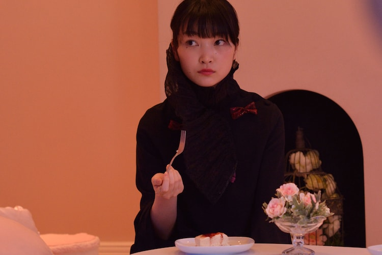「GIVER 復讐の贈与者」より、菅野莉央。