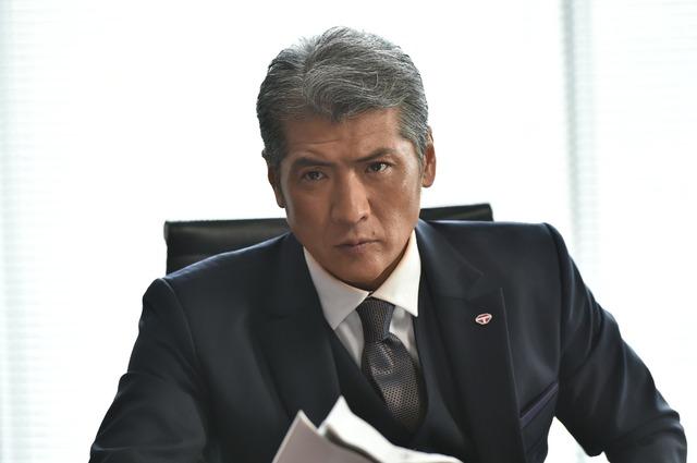 吉川晃司演じる財前道生。