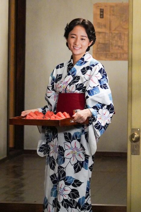 「ヒーローを作った男 石ノ森章太郎物語」より、木村文乃演じる由恵。