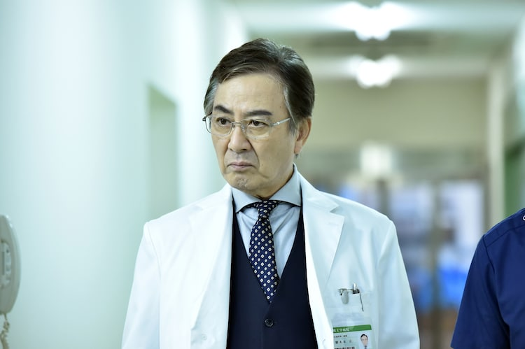 田村亮演じる御木本正。