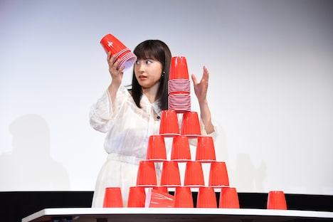 芳根京子の瞬発力に目を見張る土屋太鳳。