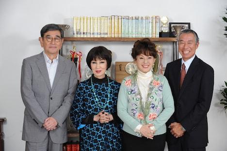「やすらぎの刻~道」キャスト。左から石坂浩二、浅丘ルリ子、加賀まりこ、柳葉敏郎。