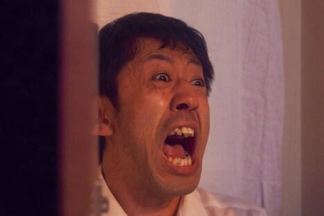 濱津隆之演じる小池誠二郎。