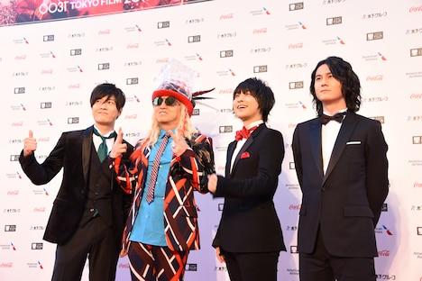 左から畠中祐、DJ KOO、寺島惇太、武内駿輔。