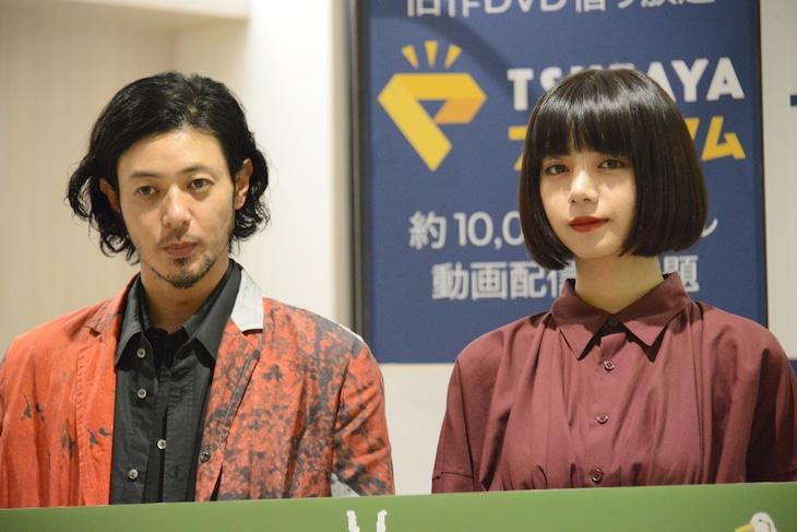 ドラマ「ルームロンダリング」トークイベントの様子。左からオダギリジョー、池田エライザ。