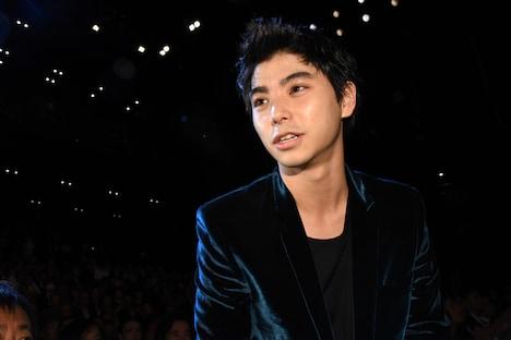 「銃」で東京ジェムストーン賞を獲得した村上虹郎。