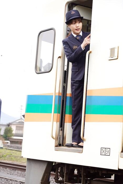 「かぞくいろ―RAILWAYS わたしたちの出発―」新場面写真