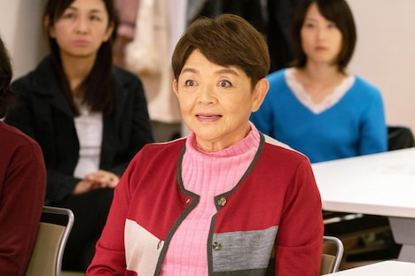 藤田弓子演じる登美子。