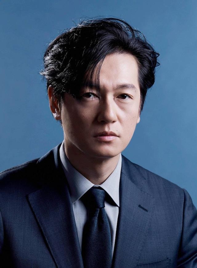斎藤涼介役の井浦新。