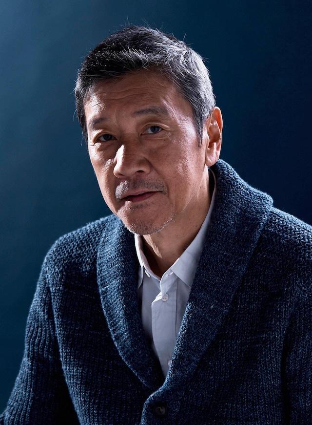 徳田浩章役の奥田瑛二。